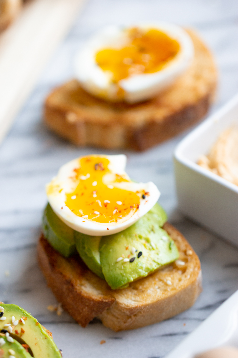 A flavorful miso butter toast for breakfast meal prep. Miso butter and egg toast is full of flavor and protein so it keeps me full until lunch! Super simple and completely delicious.