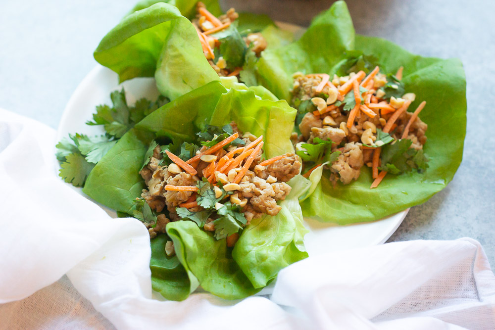 With just 5 ingredients, these Thai Lettuce Wraps are healthy and so easy to make when you're craving something filling without loading up on carbs! And can be done in 10 minutes.